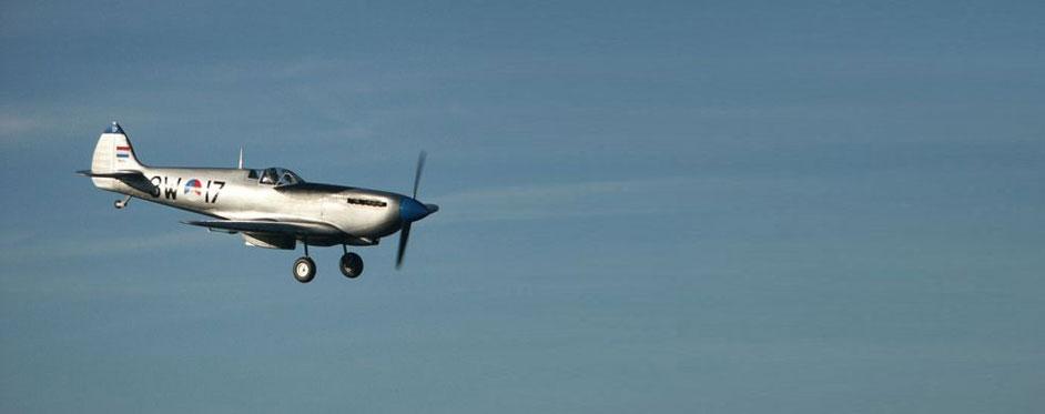 Netherland Spitfire on landing - Jets RC - Aviation Design