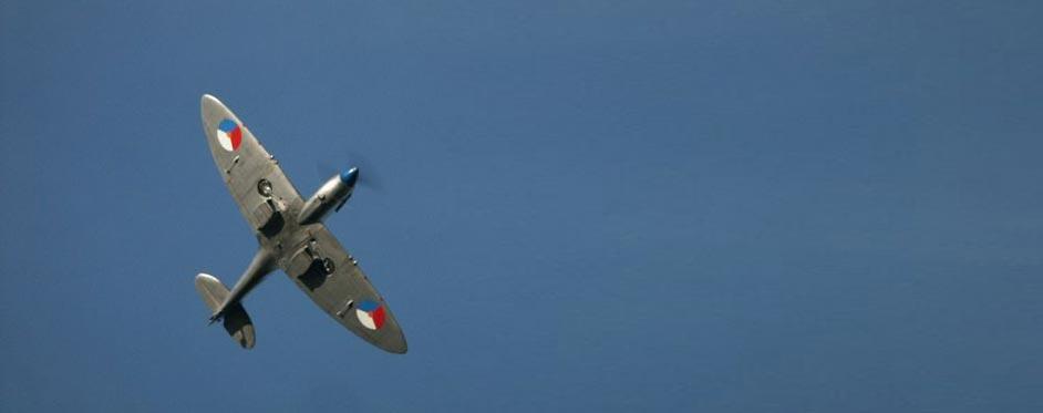 spitfire en passage - Jets RC - Aviation Design