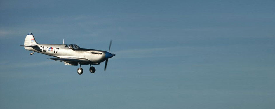 Spitfire hollandais en approche - Jets RC - Aviation Design