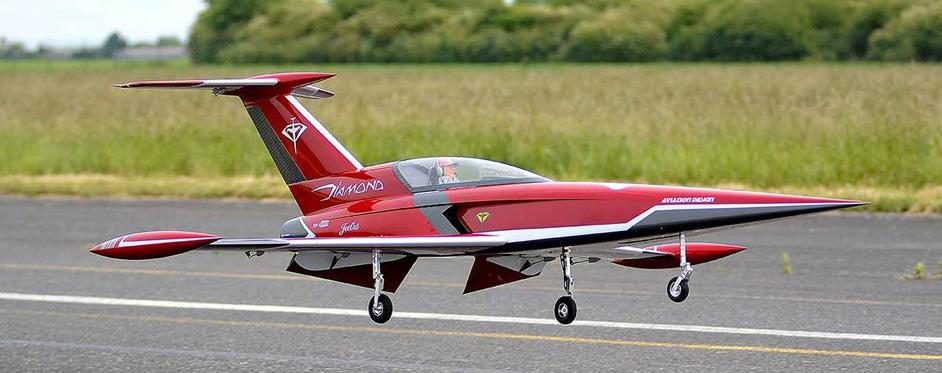 diamond à l'atterrissage - Jets RC - Aviation Design