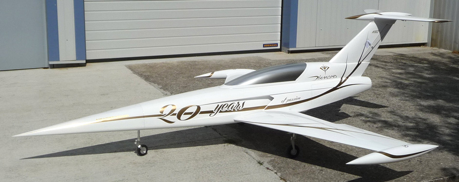 Diamond blanc et Or sorti d'atelier - Jets RC - Aviation Design