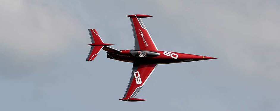 Diamond en passage tranche - Jets RC - Aviation Design