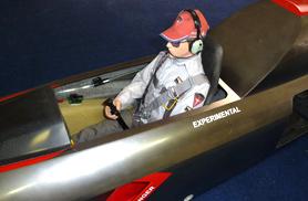 Pilote du Diamond super détaillé - Jets radio-commandés - Aviation Design