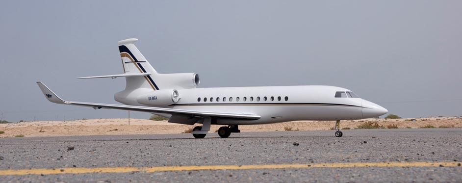Falcon 7X dans le désert du Koweït - Jets RC - Aviation Design