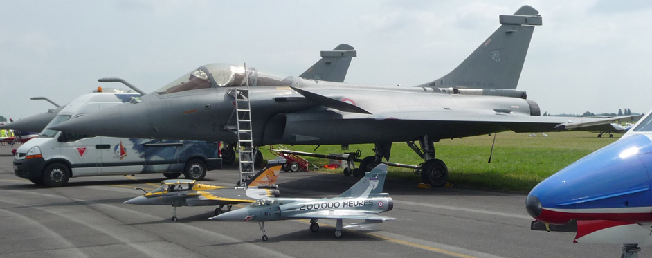 Mirage 2000 et Rafale à Valenciennes - Jets RC - Aviation Design