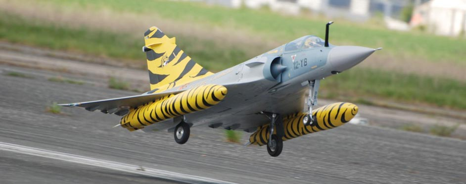 Mirage 2000 à l'atterrissage - Jets RC - Aviation Design