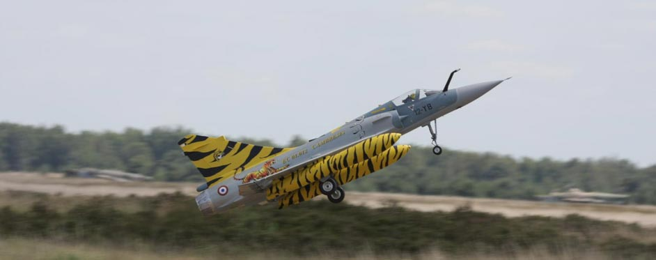 Mirage 2000 Tigermeet au décollage - Jets RC - Aviation Design