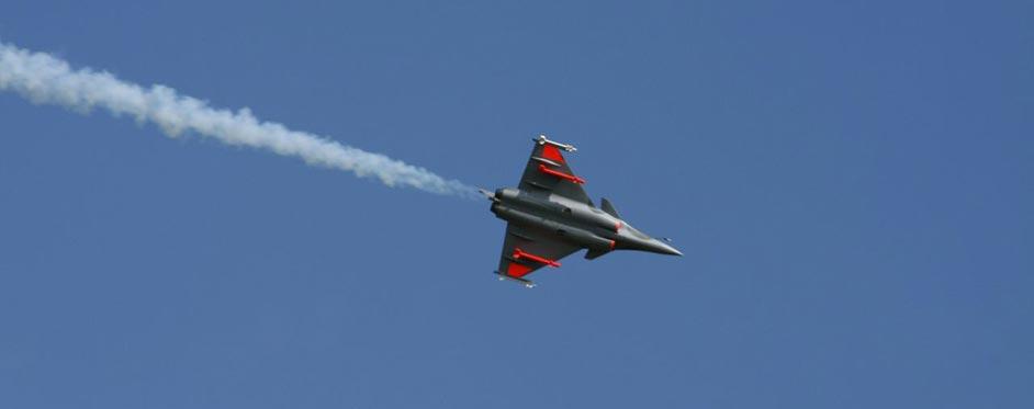Rafale avec fumigène - Jets RC - Aviation Design
