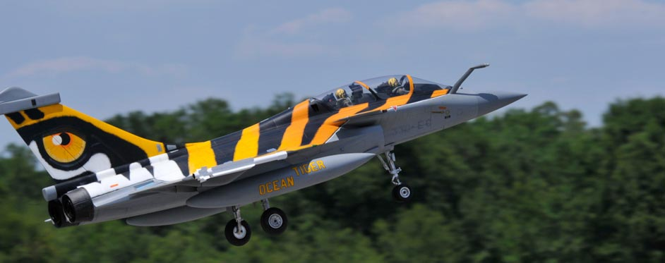 Rafale Tigermeet au décollage - Jets RC - Aviation Design