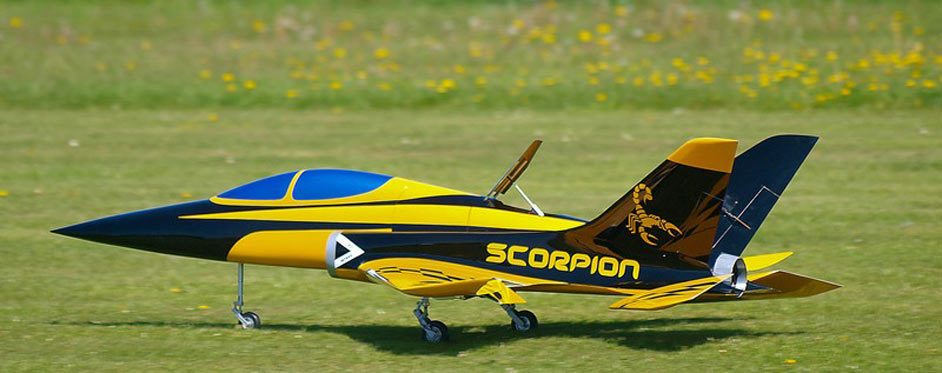 Scorpion à l'atterrissage aérofrein sorti - Jets RC - Aviation Design