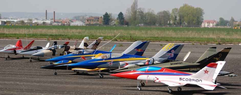 Super Scorpion et Scorpion en famille - Jets RC - Aviation Design