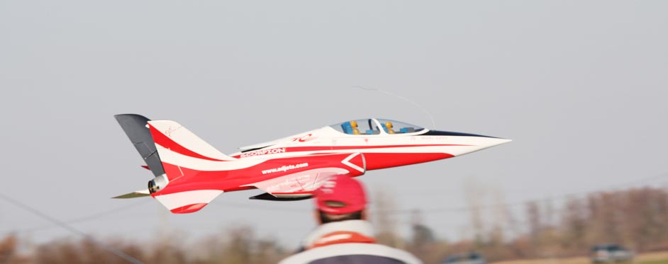 superscorpion en passage rapide - Jets RC - Aviation Design