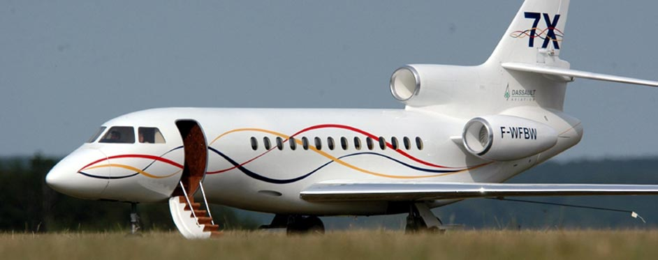 Falcon 7X with passager door open - Jets RC - Aviation Design