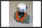 AT 057 : 1/8 Jet Pilot Bust Painted 75 mm x 65 mm - Jets radio-commandés - Aviation Design