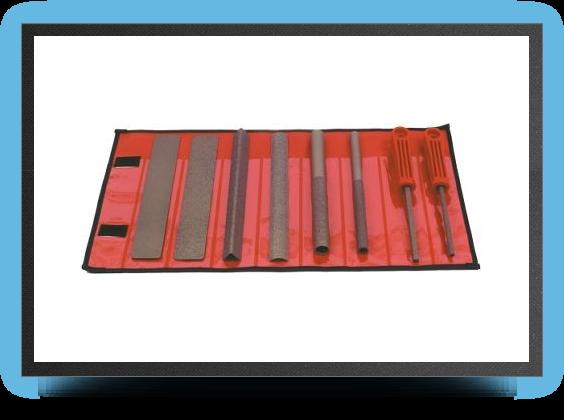 Jets - S&#201;lection de huit outils livr&#201;s dans une housse ferm&#201;e par velcro.<br />grains fins. - S&#201;lection de huit outils livr&#201;s dans une housse ferm&#201;e par velcro.<br />grains fins. - Aviation Design