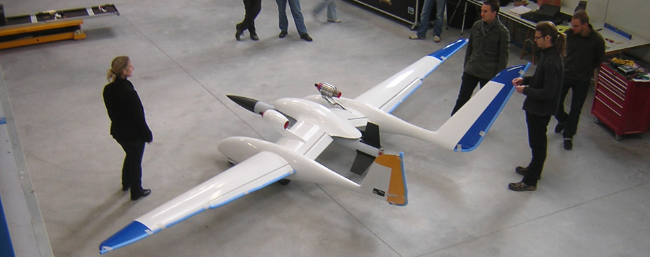 Démonstrateur Eole en cours d'assemblage (UAV) - Jets RC - Aviation Design